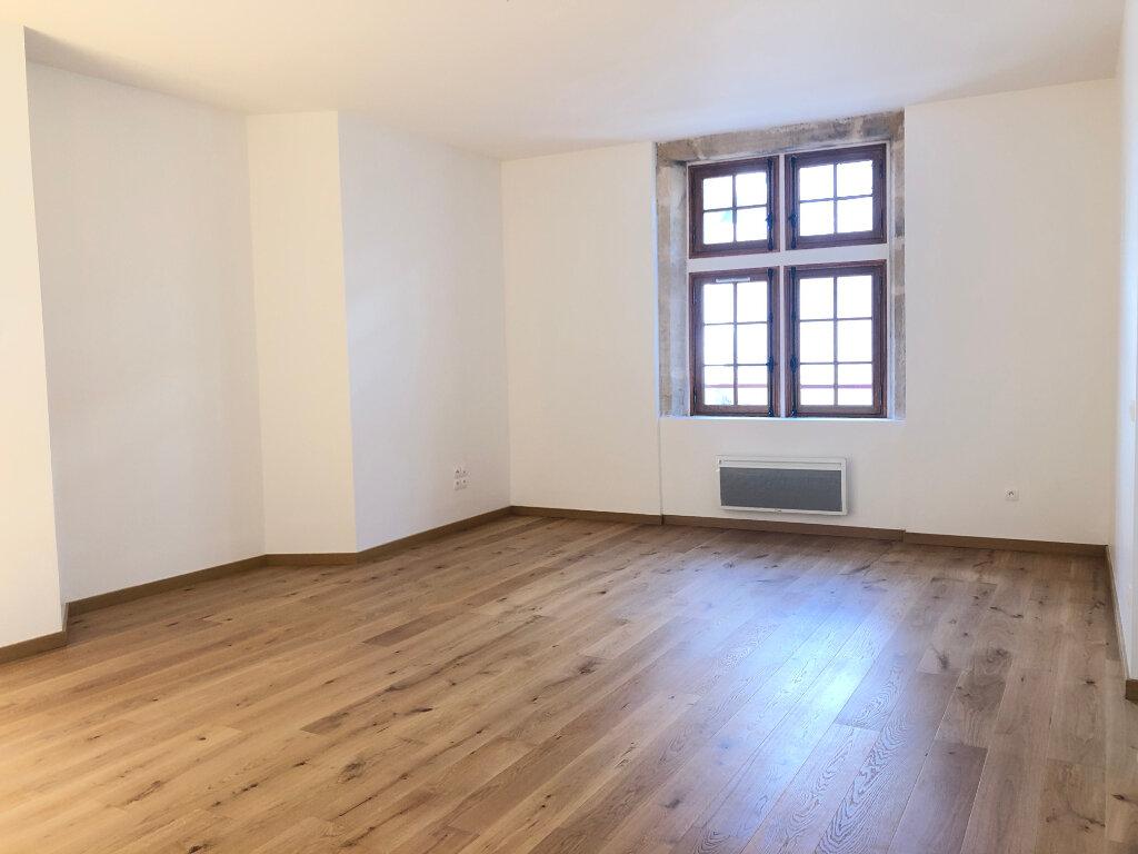 Appartement à louer 2 70.98m2 à Nevers vignette-9