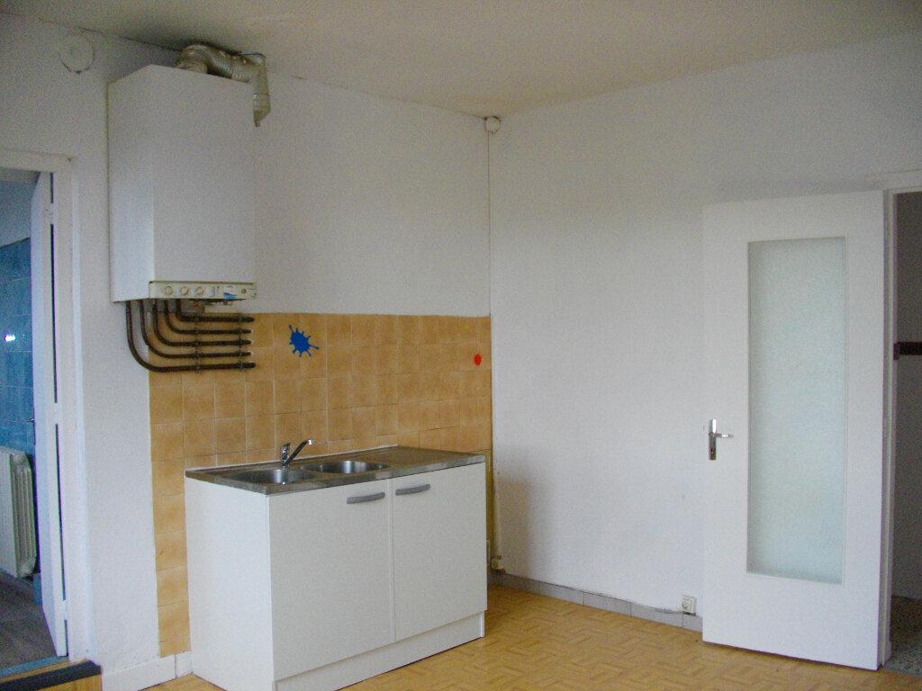Appartement à louer 3 80m2 à Vierzon vignette-1