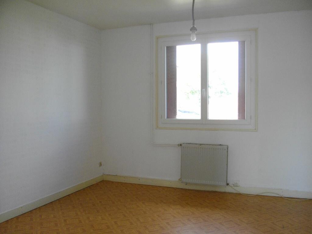 Appartement à louer 3 80m2 à Vierzon vignette-3