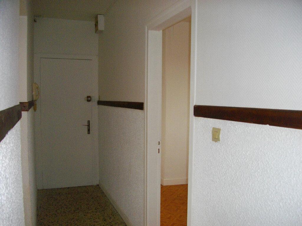 Appartement à louer 3 80m2 à Vierzon vignette-6