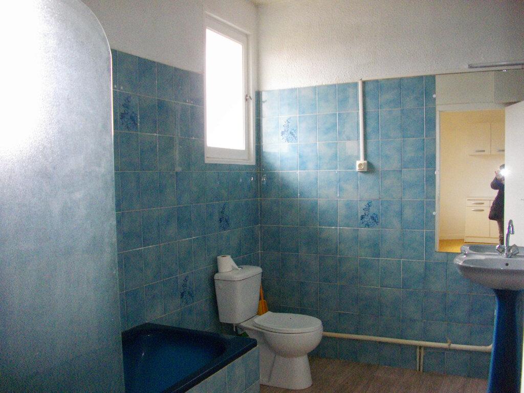 Appartement à louer 3 80m2 à Vierzon vignette-8