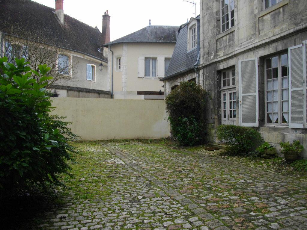 Appartement à louer 2 70.12m2 à Bourges vignette-3