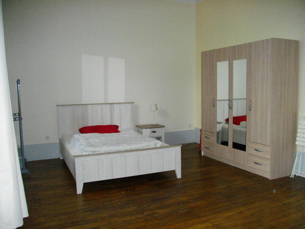 Appartement à louer 2 70.12m2 à Bourges vignette-6