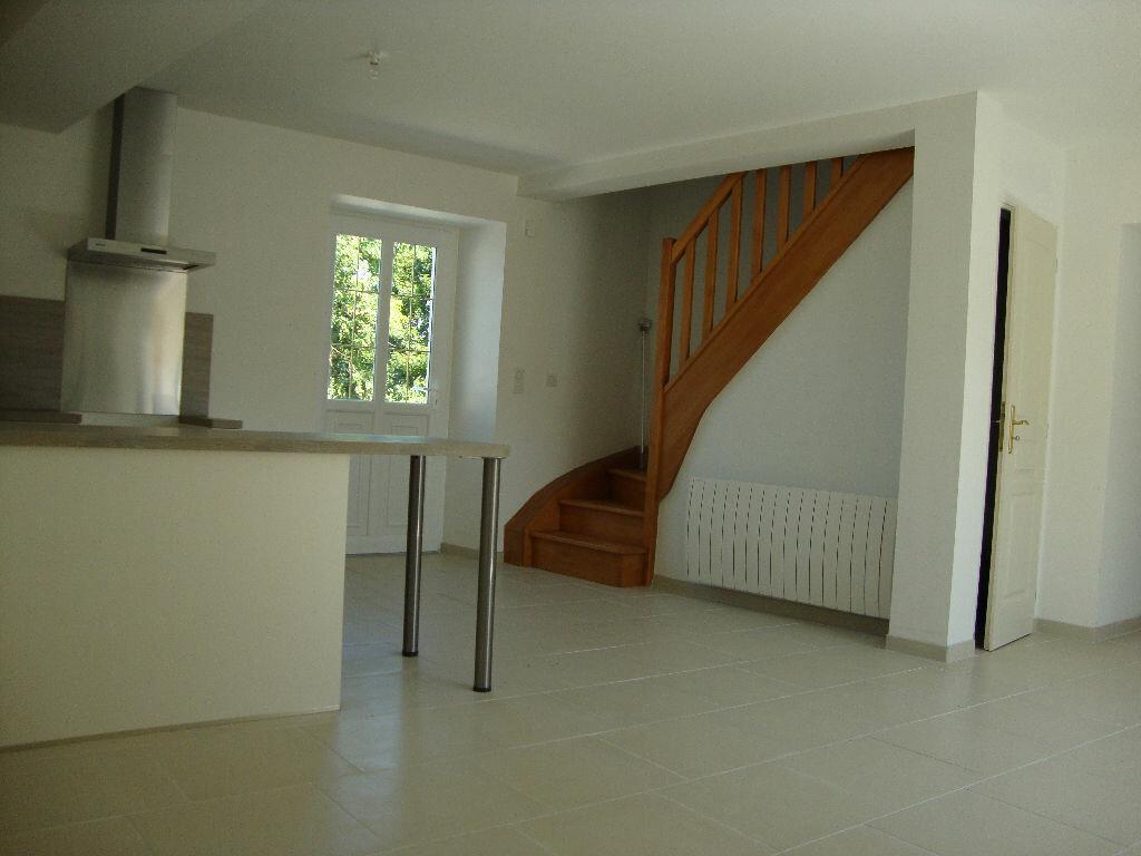 Maison à louer 5 83.8m2 à Nohant-en-Goût vignette-1