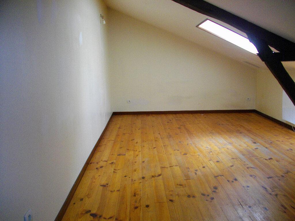 Appartement à louer 3 66.38m2 à Vierzon vignette-4