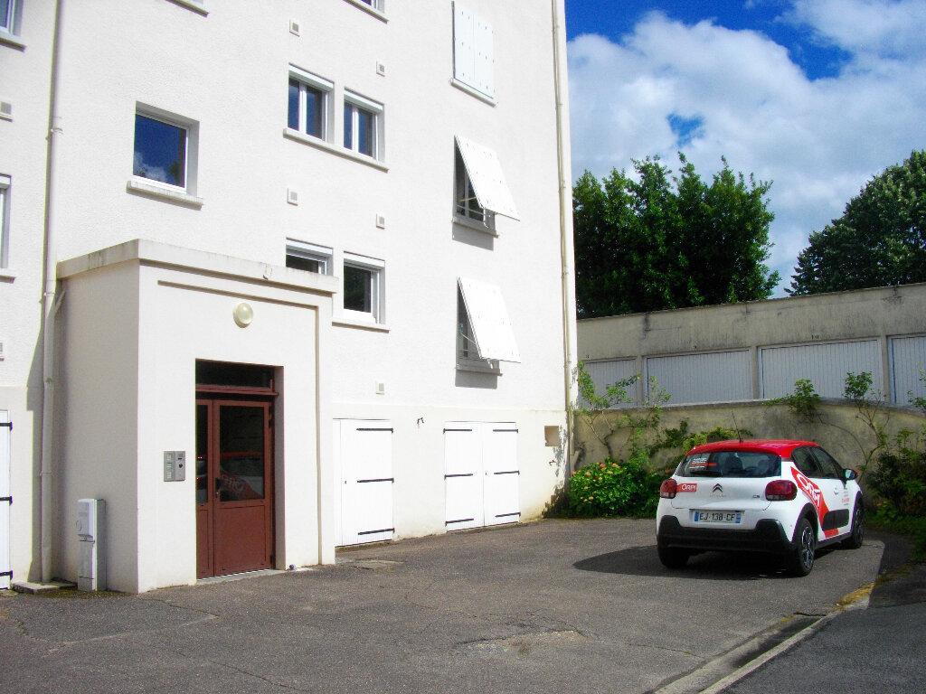Appartement à louer 3 56.2m2 à Bourges vignette-6