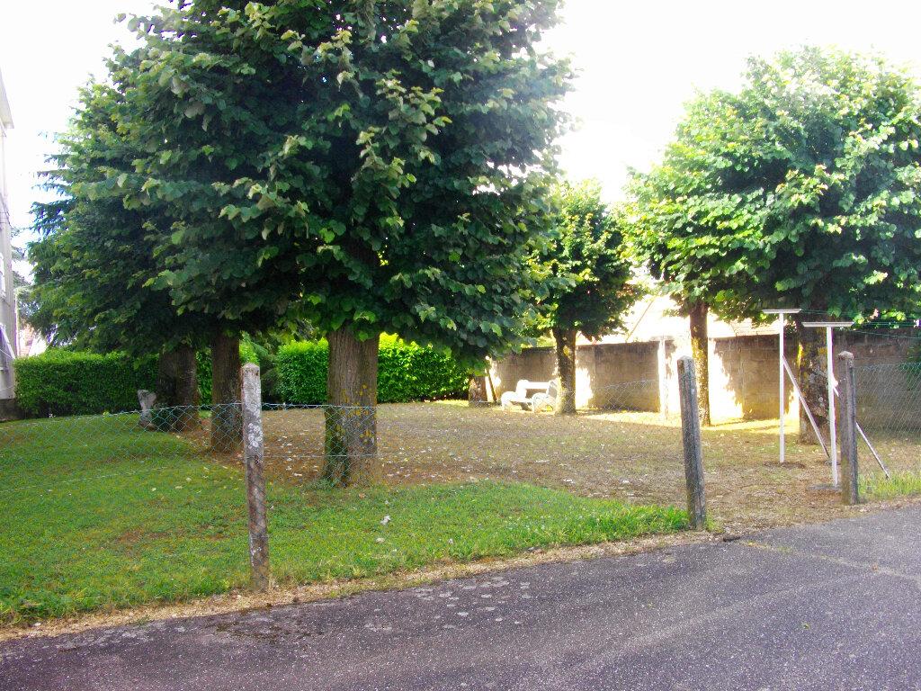 Appartement à louer 3 56.2m2 à Bourges vignette-8