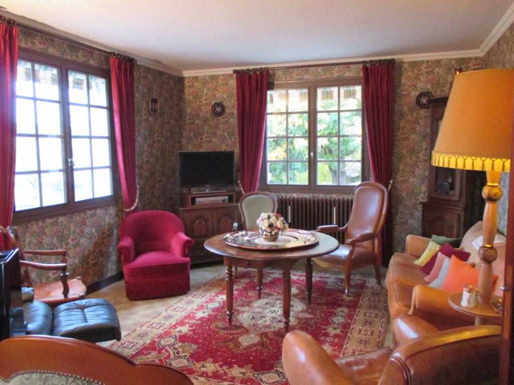 Maison à vendre 4 120m2 à La Chapelle-Saint-Ursin vignette-2