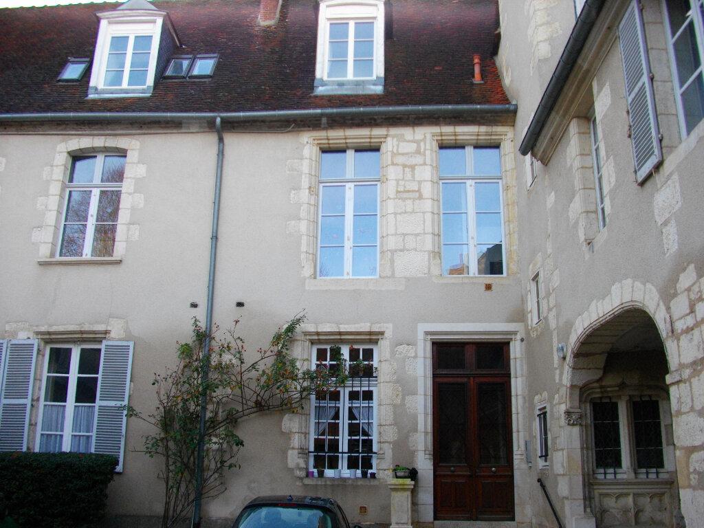 Appartement à louer 4 95.08m2 à Bourges vignette-1