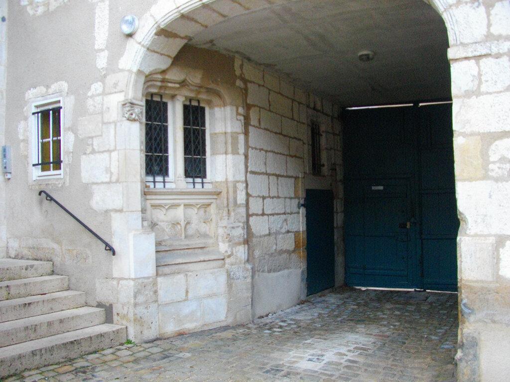 Appartement à louer 4 95.08m2 à Bourges vignette-2