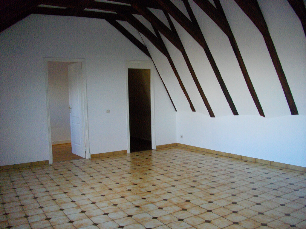 Appartement à louer 4 95.08m2 à Bourges vignette-4