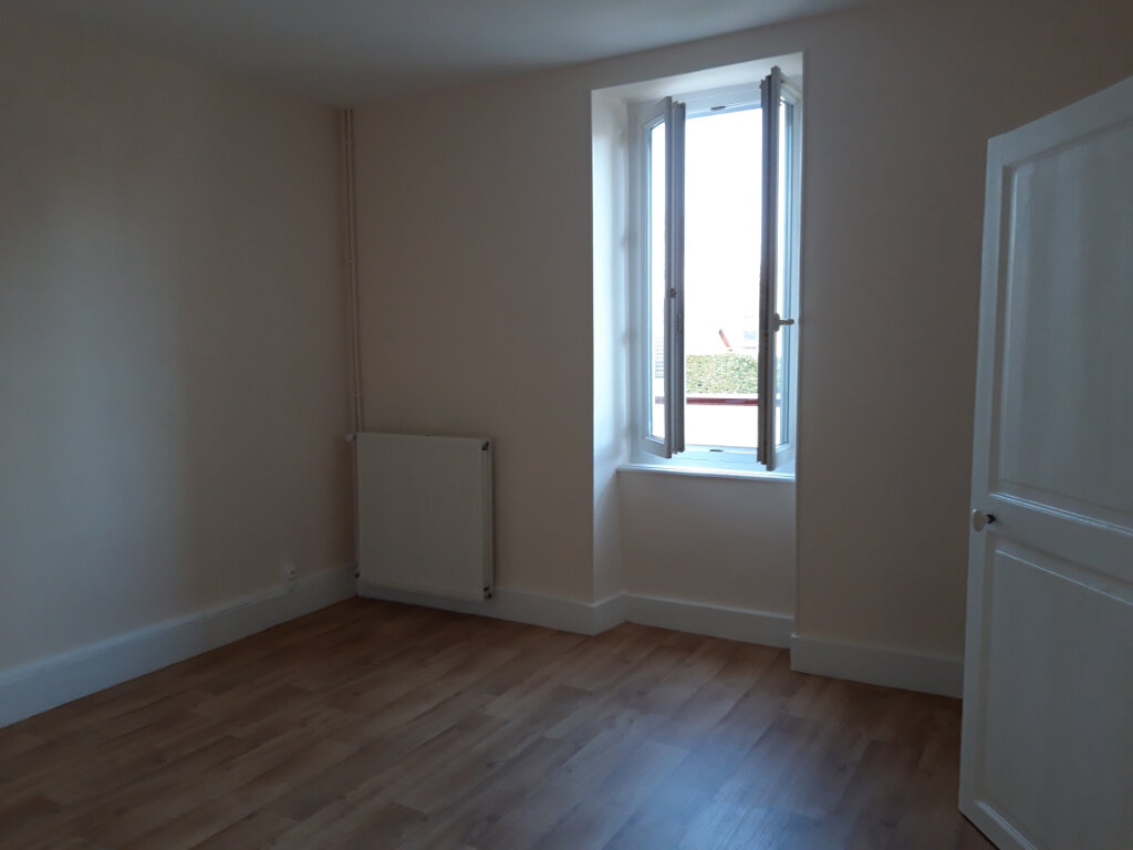 Appartement à louer 2 50.3m2 à Nevers vignette-2