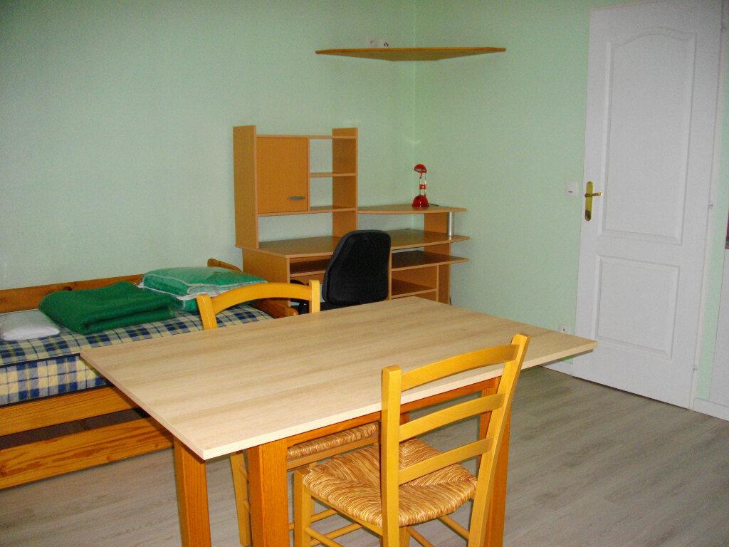 Appartement à louer 1 19.29m2 à Bourges vignette-1
