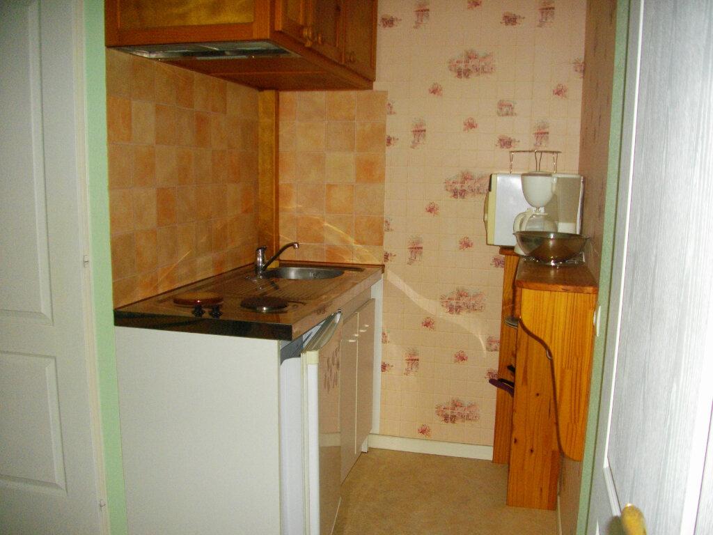 Appartement à louer 1 19.29m2 à Bourges vignette-3