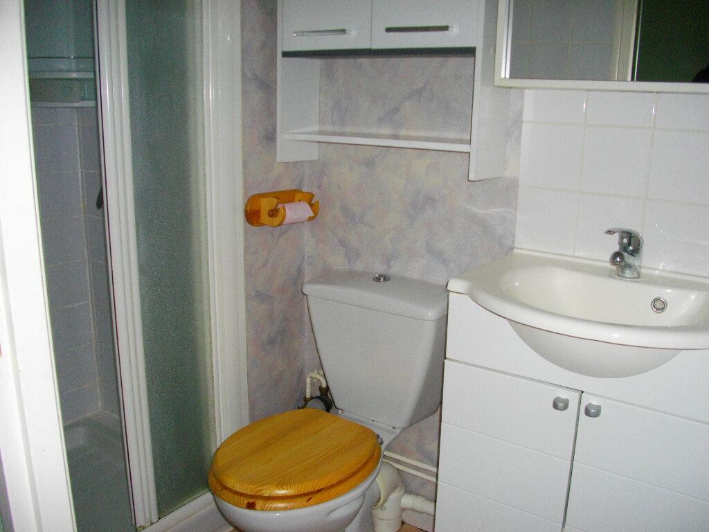 Appartement à louer 1 19.29m2 à Bourges vignette-4