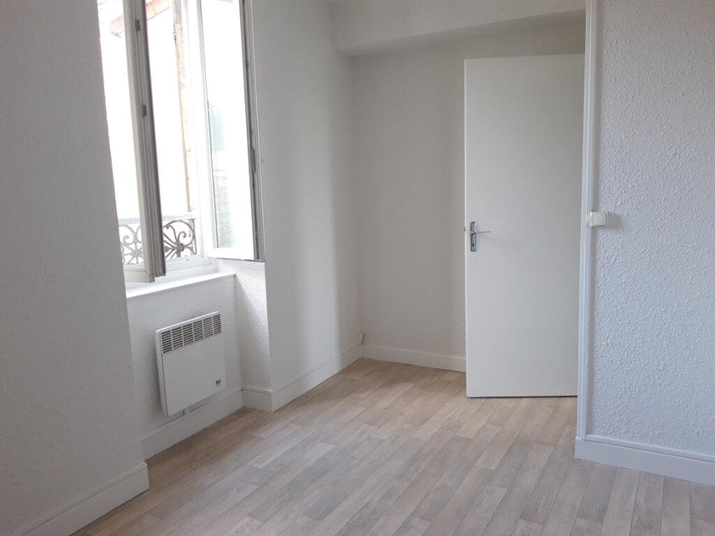 Appartement à louer 3 65m2 à Saint-Léger-des-Vignes vignette-6