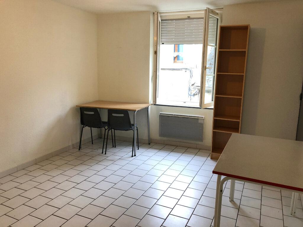 Appartement à louer 2 35m2 à Nevers vignette-5