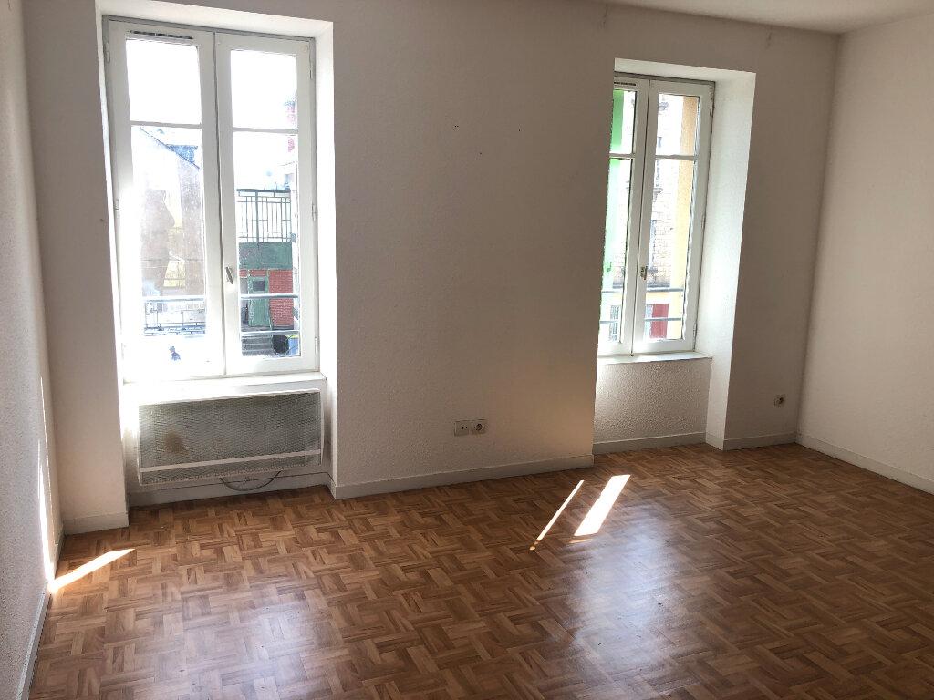 Appartement à louer 3 39m2 à Nevers vignette-1