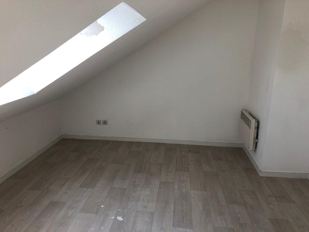 Appartement à louer 3 39m2 à Nevers vignette-2