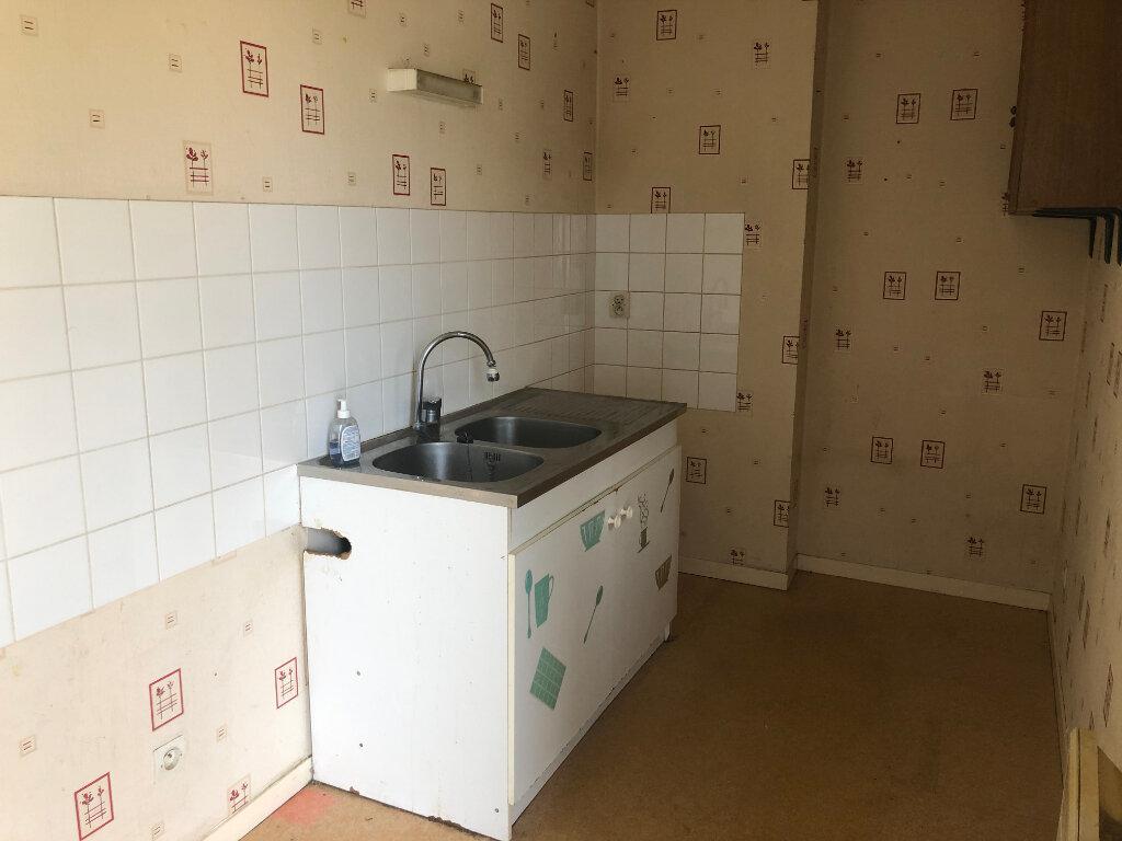 Appartement à louer 3 38m2 à Nevers vignette-3