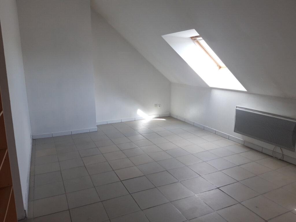 Appartement à louer 3 70m2 à Saint-Léger-des-Vignes vignette-4