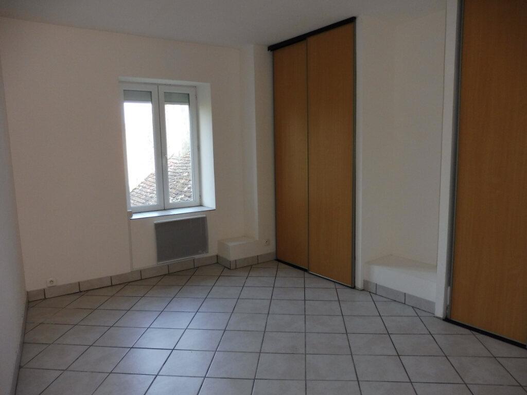 Appartement à louer 4 68m2 à Decize vignette-7