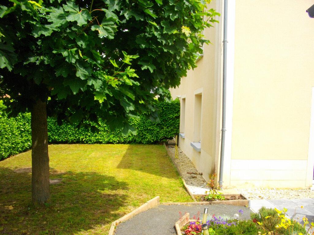 Appartement à louer 4 85m2 à Bourges vignette-2