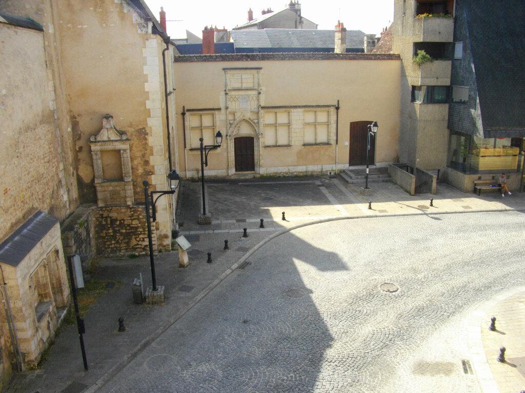 Appartement à louer 2 40.76m2 à Bourges vignette-1