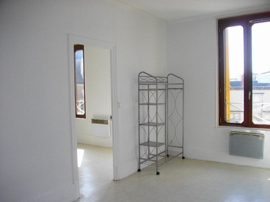 Appartement à louer 2 40.76m2 à Bourges vignette-2
