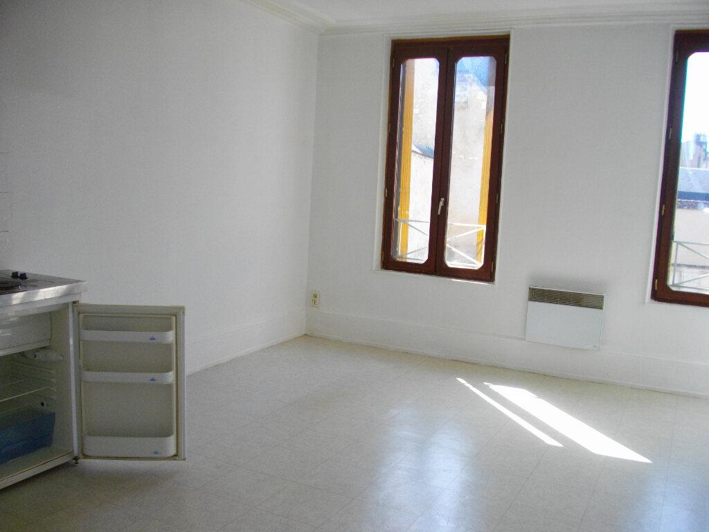 Appartement à louer 2 40.76m2 à Bourges vignette-3