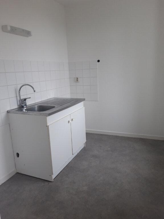 Appartement à louer 1 30m2 à Nevers vignette-3