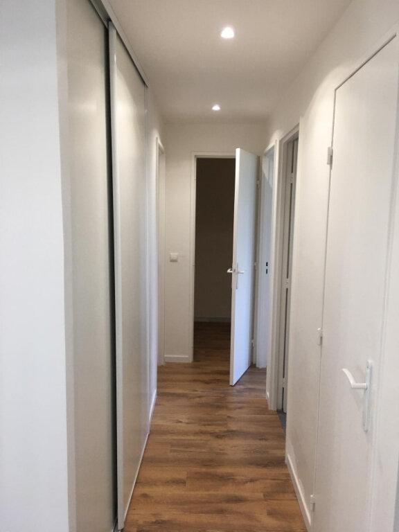 Appartement à louer 4 75.14m2 à Nevers vignette-3