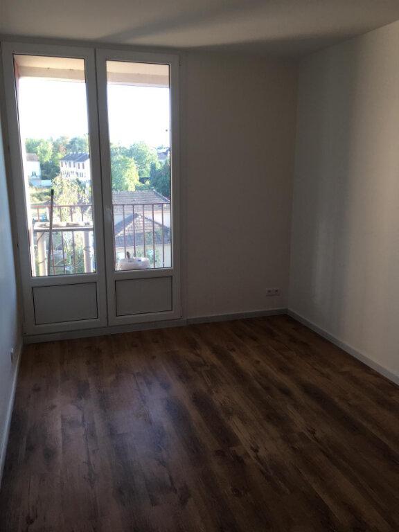 Appartement à louer 4 75.14m2 à Nevers vignette-6