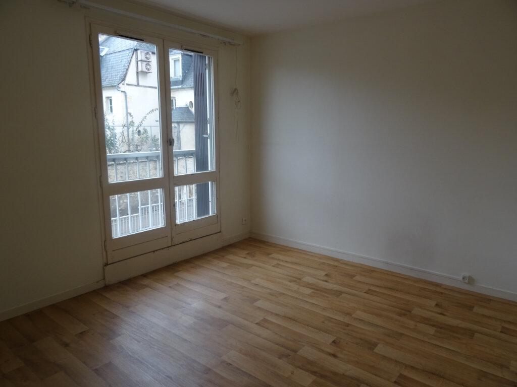 Appartement à vendre 4 79m2 à Nevers vignette-2