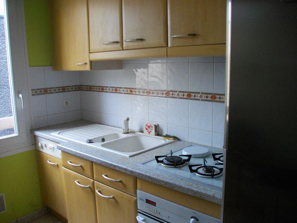 Appartement à louer 3 72.88m2 à Bourges vignette-3