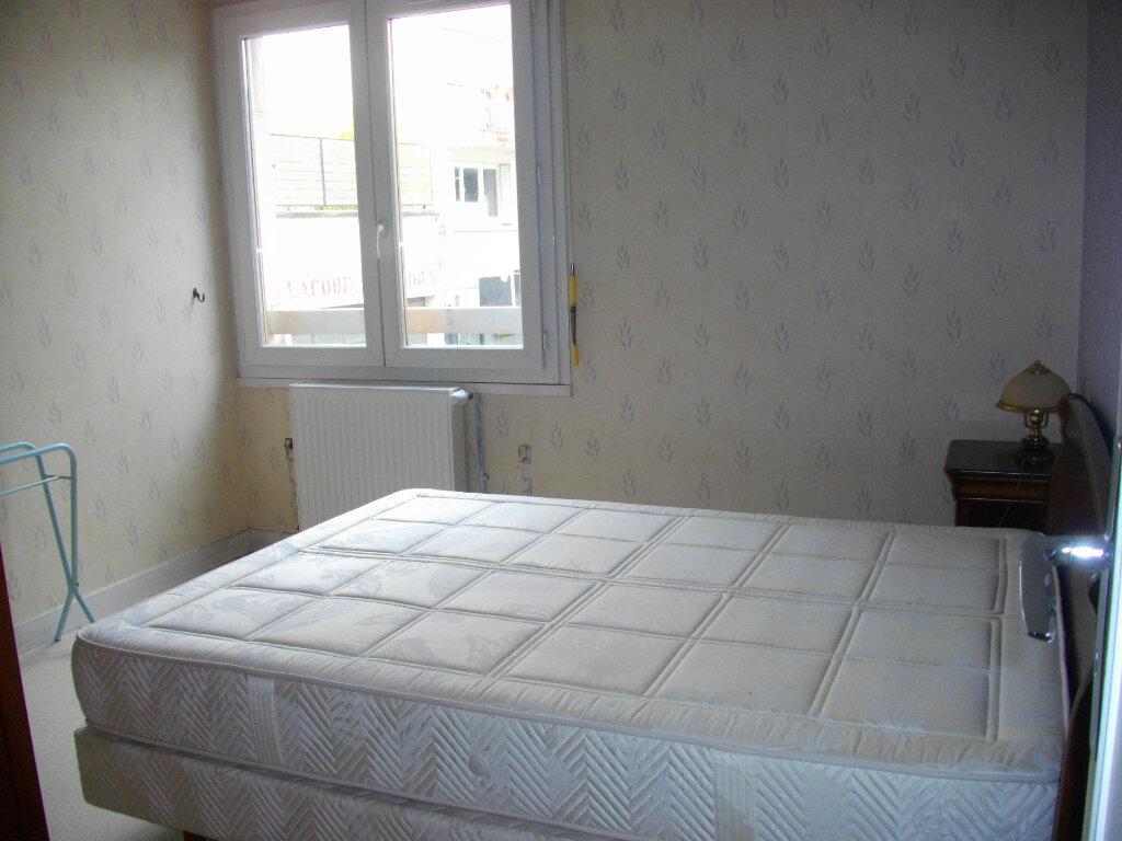 Appartement à louer 3 72.88m2 à Bourges vignette-4