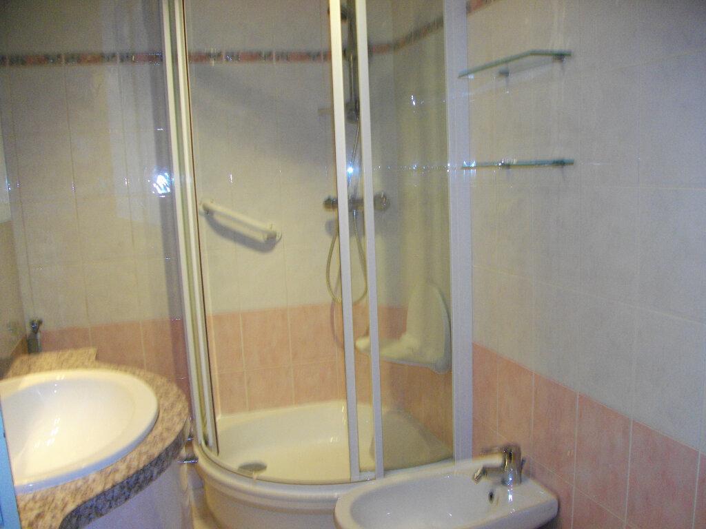 Appartement à louer 3 72.88m2 à Bourges vignette-7