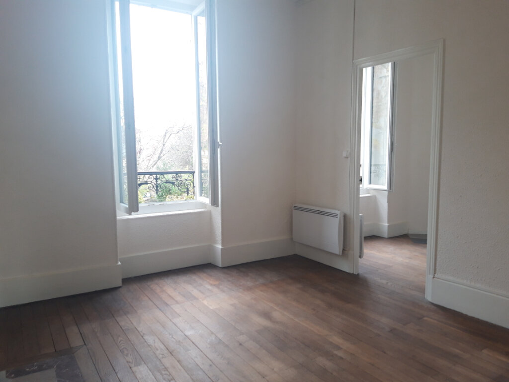 Appartement à louer 3 55m2 à Nevers vignette-1