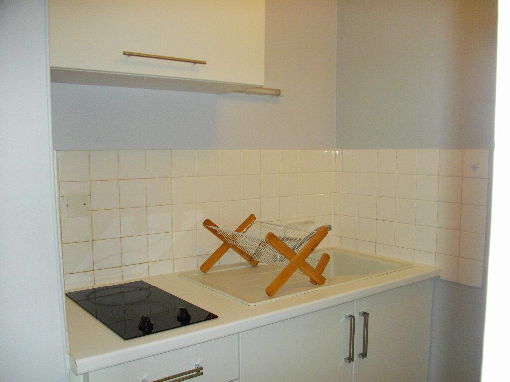 Appartement à louer 1 31.05m2 à Bourges vignette-3