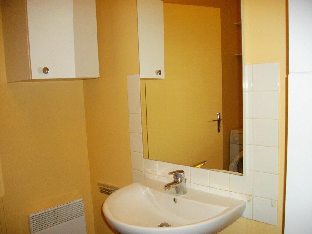 Appartement à louer 1 31.05m2 à Bourges vignette-4