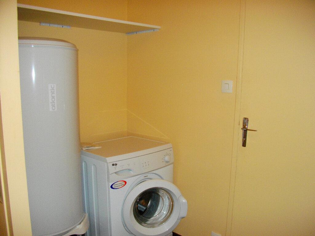 Appartement à louer 1 31.05m2 à Bourges vignette-6