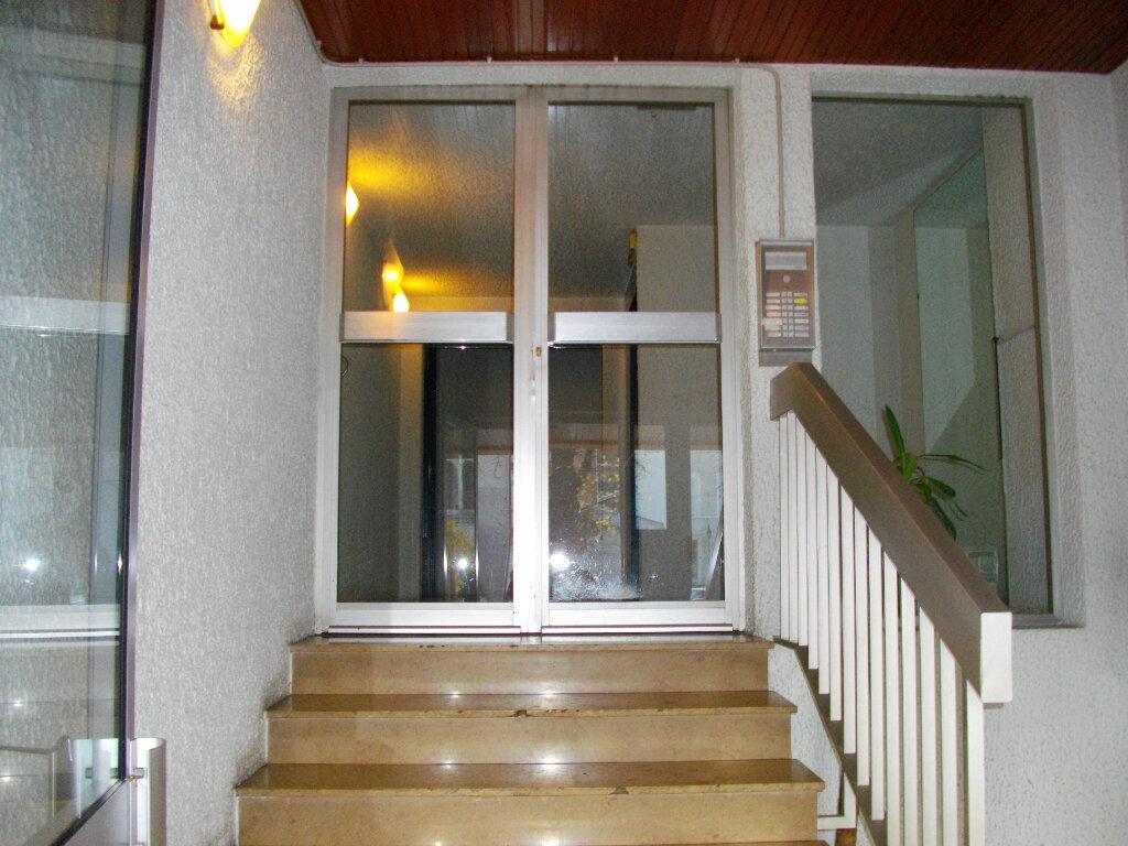 Appartement à louer 1 31.05m2 à Bourges vignette-8