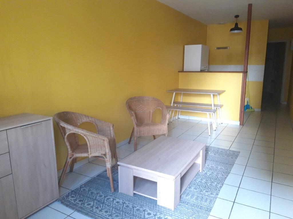 Appartement à louer 2 29.17m2 à Nevers vignette-4