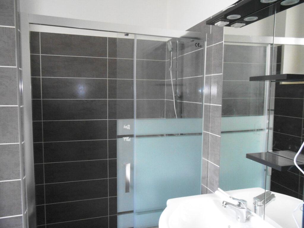 Appartement à vendre 3 46m2 à Nevers vignette-2