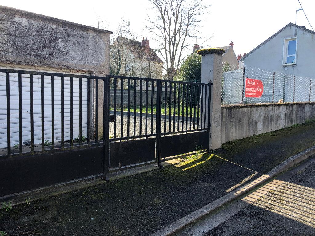 Stationnement à louer 0 49m2 à Nevers vignette-1