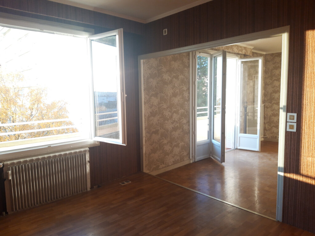 Appartement à vendre 3 70m2 à Nevers vignette-2