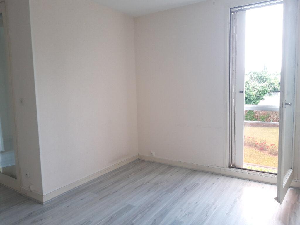 Appartement à louer 3 70.31m2 à Nevers vignette-5