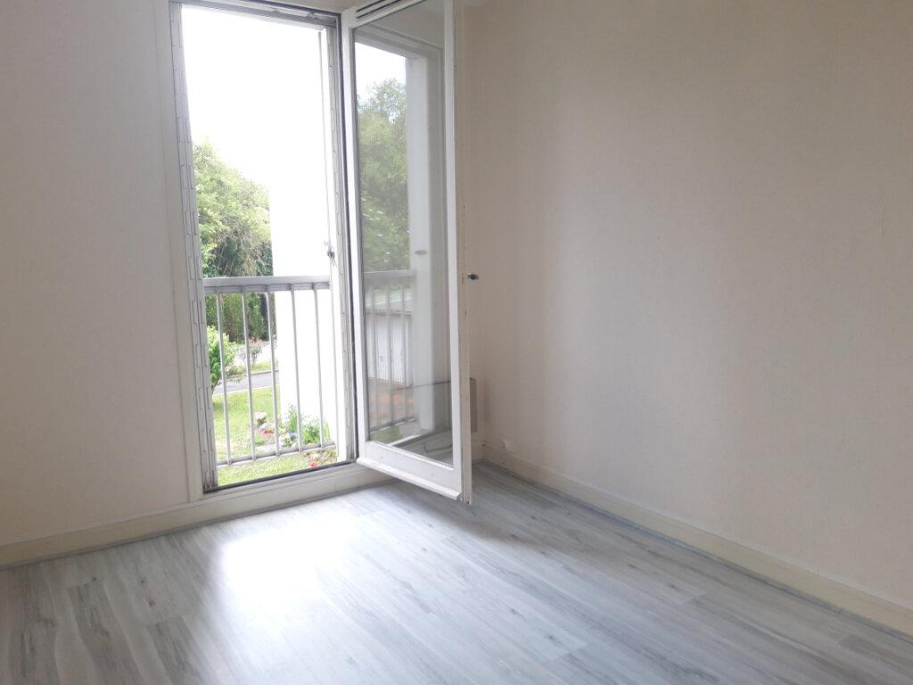 Appartement à louer 3 70.31m2 à Nevers vignette-9