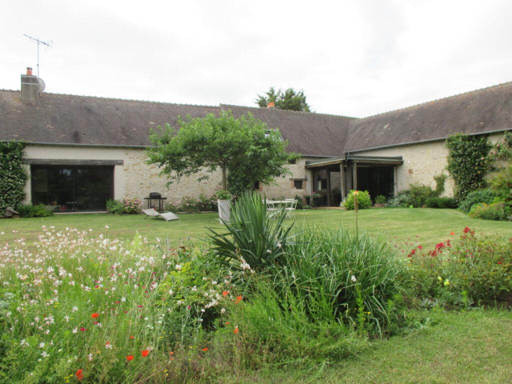 Maison à vendre 10 301m2 à Mehun-sur-Yèvre vignette-1