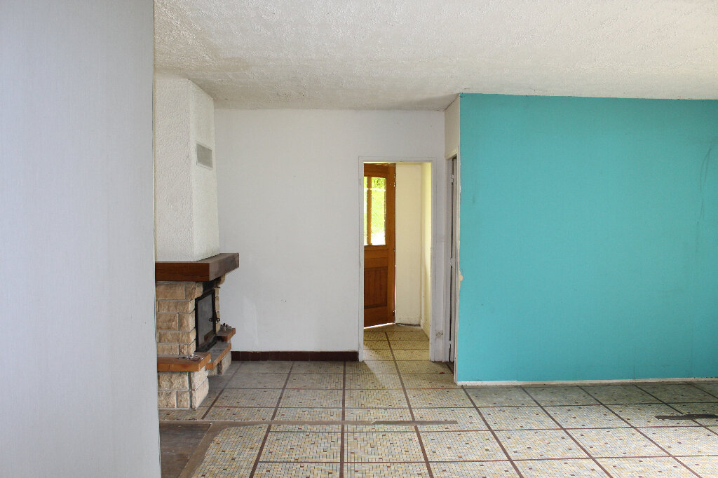 Maison à vendre 5 112m2 à La Jonchère-Saint-Maurice vignette-6